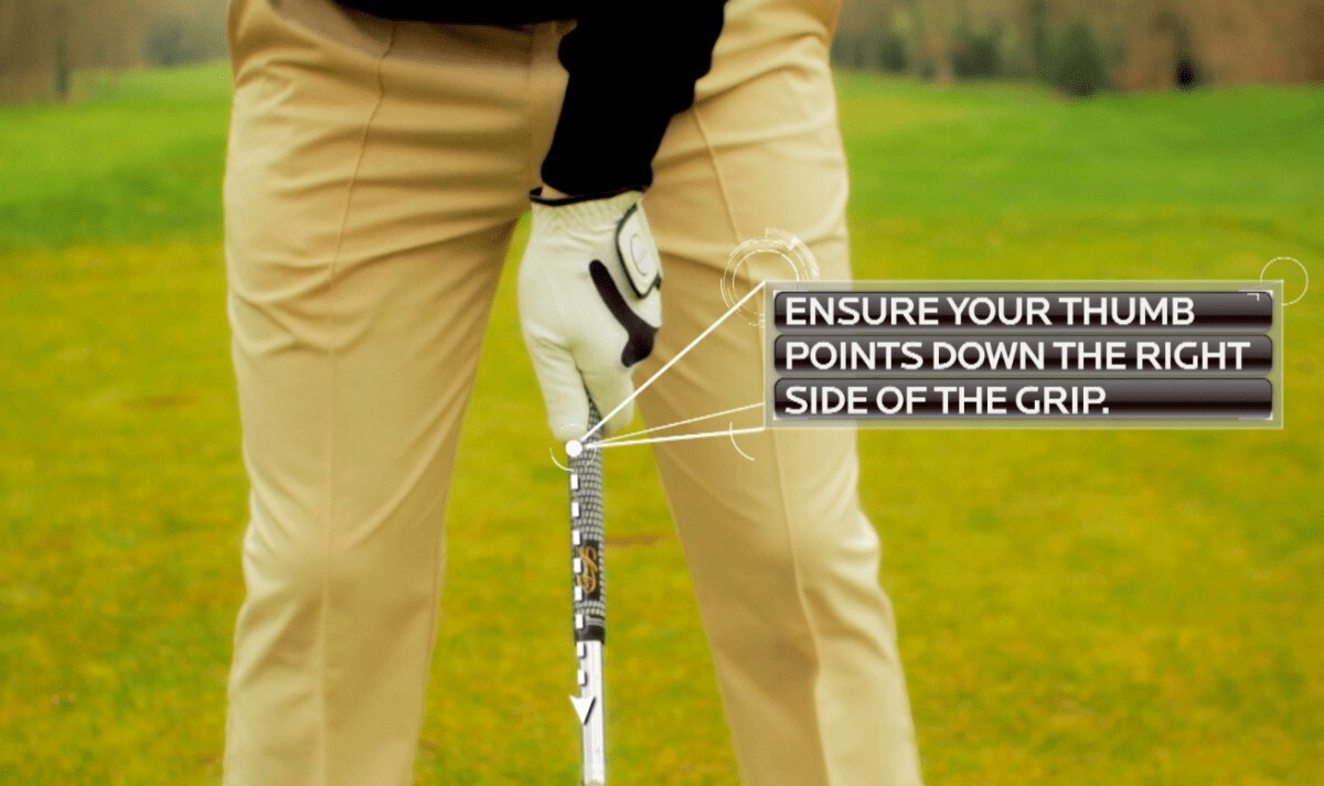 how to hold a golf club showing left hand golf grip