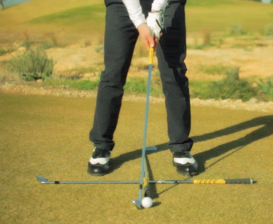 golf stance for wedge