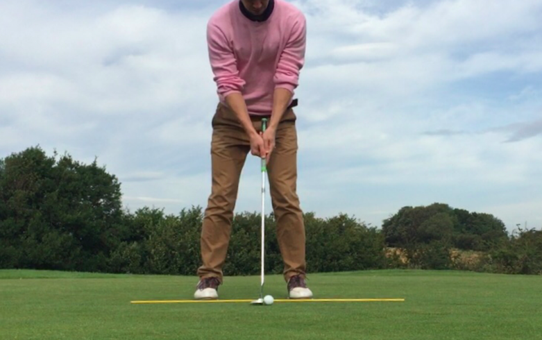 putting technique and putting stroke face on